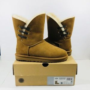 UGG Constantine Waterproof Women's Boot sz 9